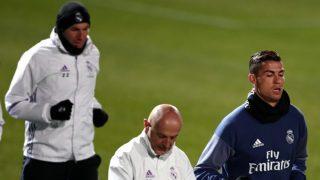 Pintus, Cristiano y Zidane, durante un entrenamiento.