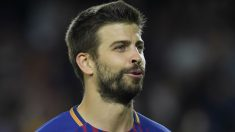 Piqué durante un duelo con el Barcelona. (AFP)