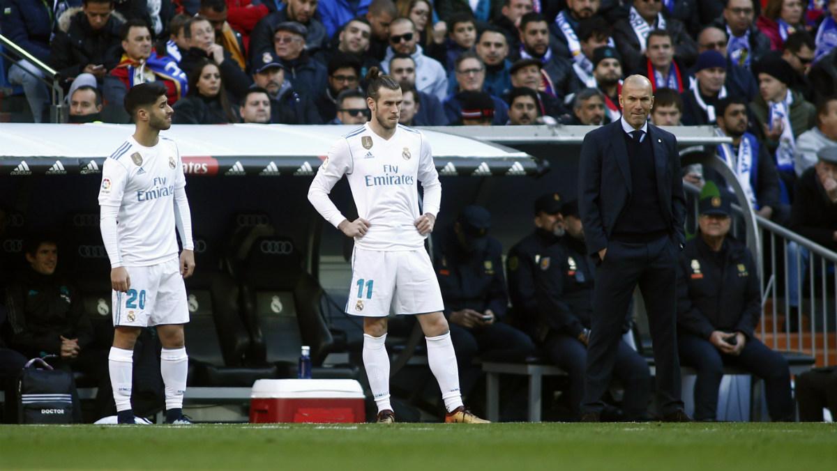 Asensio y Bale, antes de entrar al campo en el duelo ante el Barcelona. (AFP)