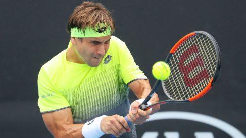 David Ferrer resta en un partido reciente. (Getty)
