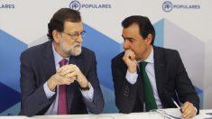 Mariano Rajoy, presidente del Gobierno, y Fernando Martínez-Maíllo, coordinador general del PP. (Foto: EFE)
