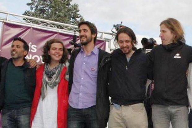 Pedro De Palacio, en el centro junto a Pablo Iglesias