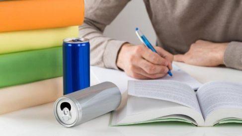 Las bebidas energéticas y su impacto en la salud.
