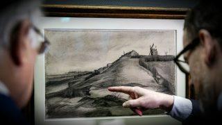 'La colina de Montmartre con piedra de cantera', un nuevo dibujo atribuido a Van Gogh. (AFP)