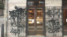 Las pintadas inundan el barrio de Malasaña en Madrid