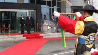 Cospedal en su visita a Corea del Sur. Foto: Defensa.