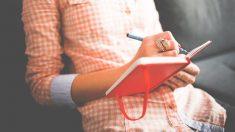 Cada vez escribimos más en ordenadores y móviles, dejando de lado el placer de escribir a mano.