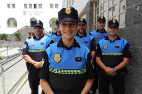 Chalecos adaptados para las policías del Ayuntamiento canario de Teror