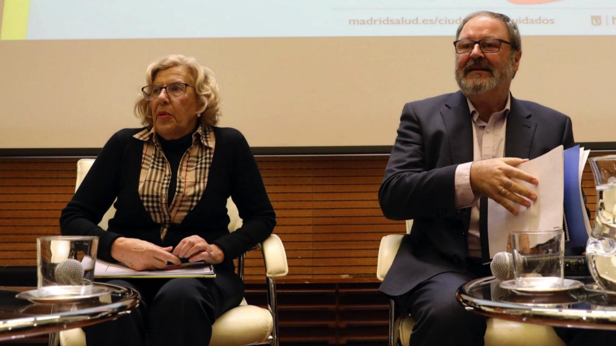 La alcaldesa, Manuela Carmena, y el edil de Seguridad, Javier Barbero. (Foto: Madrid)