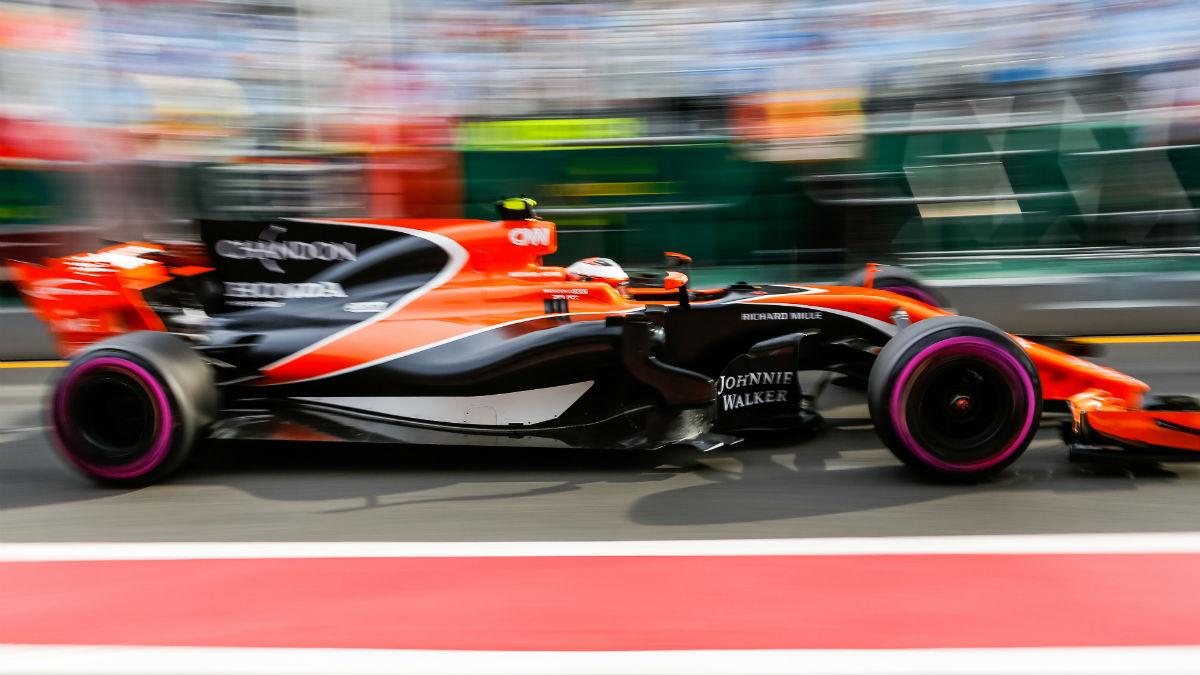 Según Zak Brown, aunque McLaren no cuente con un socio principal en 2018, el MCL33 con el que competirán este año estará repleto de patrocinadores. (Getty)