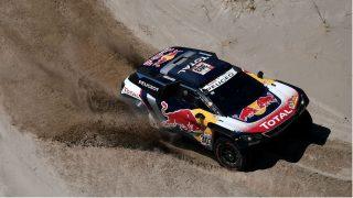 Carlos Sainz corriendo el Dakar 2018. (AFP)