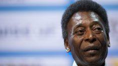 Pelé durante una rueda de prensa. (AFP)