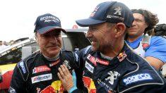 Carlos Sainz tras ganar el Dakar. (AFP)