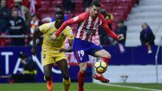 Lucas Hernández controla un balón ante el Girona. (AFP)