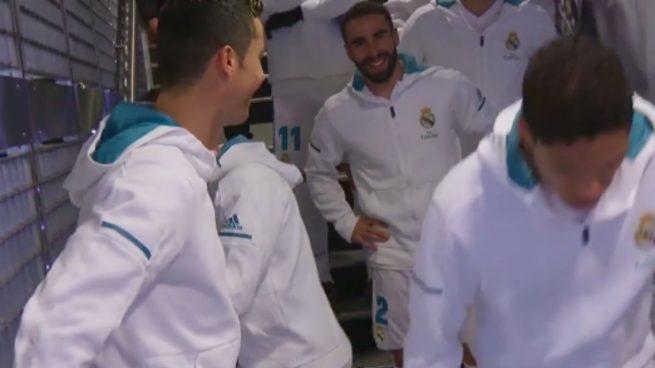 Cristiano, de broma con los niños: «Para mí eres el mejor del mundo y Messi es…»
