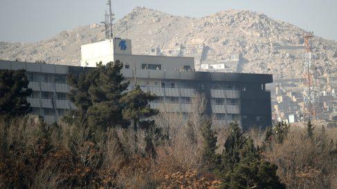 Imagen del Hotel Intercontinental de Kabul en el que se produjo el ataque terrorista (Foto: AFP).
