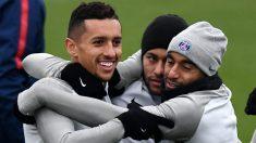 Marquinhos, junto a Neymar y Lucas Moura en un entrenamiento del PSG. (AFP)