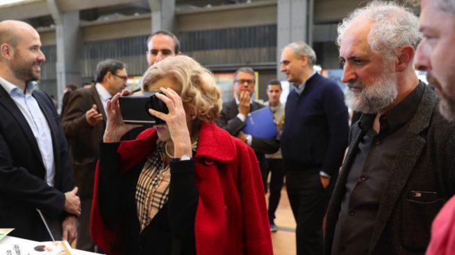 Carmena gasta 4,5 millones en inventos: de papeleras inteligentes a semáforos sobre el aire