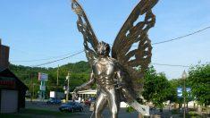 Estatua al hombre polilla en Virginia