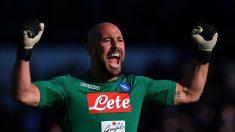 Pepe Reina celebra la reciente victoria del Nápoles ante el Atalanta.