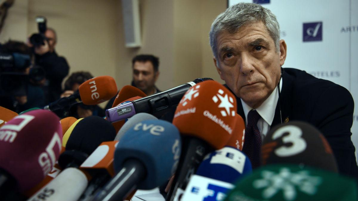 Ángel María Villar comparece ante los medios. (AFP)