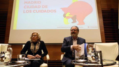 El concejal de Seguridad, Javier Barbero, con la alcaldesa. (Foto: Madrid)