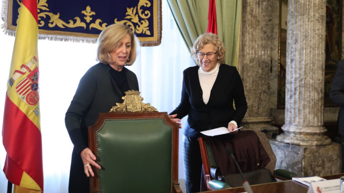La delegada del Gobierno, Concha Dancausa, junto a la alcaldesa Manuela Carmena. (Foto: Madrid)