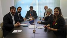 Comin, Torrent, Puigdemont, Puig, Ponsati y Serret en su encuentro en Bruselas.
