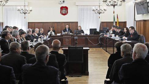 Sala de la Audiencia de Sevilla que acoge el juicio por el caso ERE. (Foto: EFE)