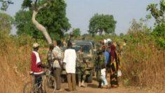 Cuatro turistas españoles asaltados en su coche de alquiler en Diouloulou-Karang (Senegal).