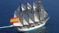 El buque de la Armada Juan Sebastián Elcano.