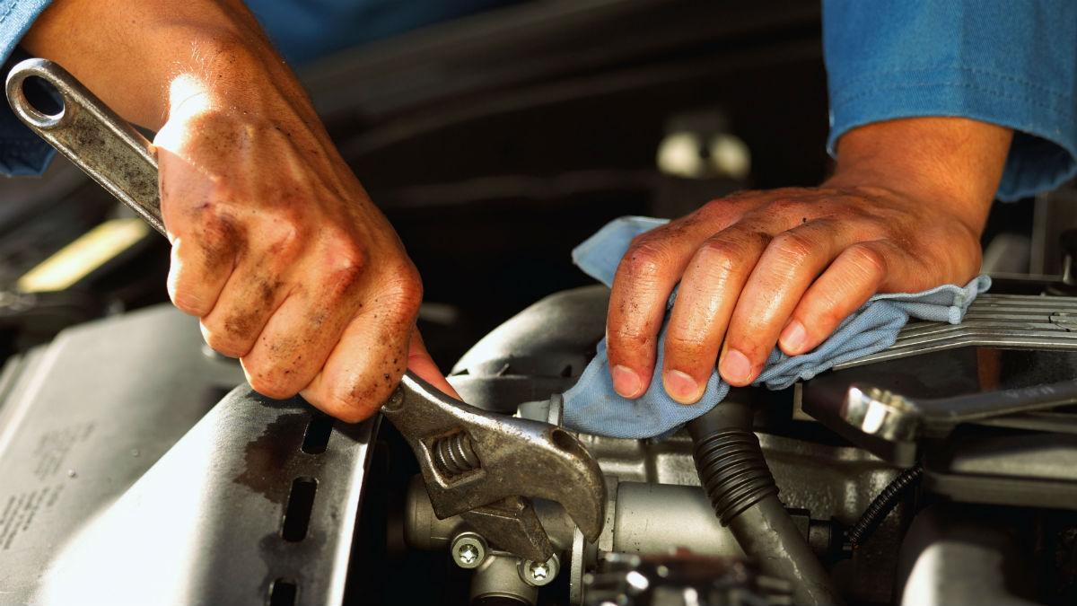 Dentro de las reparaciones que le tenemos que hacer a nuestro coche, existen cinco que son las más comunes. Te contamos cuáles son y el precio medio que nos suponen.