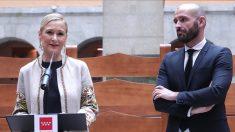 La presidenta Cifuentes junto al consejero de Cultura, Jaime de los Santos.