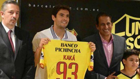 Kaká, con la camiseta del Barcelona de Guayaquil.