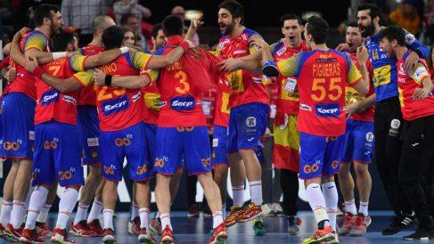 Los Hispanos celebran el triunfo ante Suecia en el Europeo 2018. (AFP)