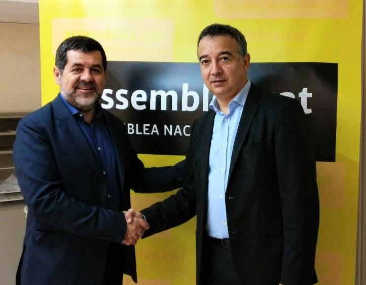 El ex presidente de la ANC, Jordi Sànchez, junto al fundador de Parlem Telecom, Ernest Pérez-Mas.