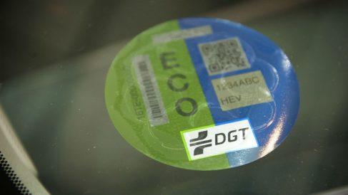 Etiquetas de la DGT atendiendo al nivel de contaminación.