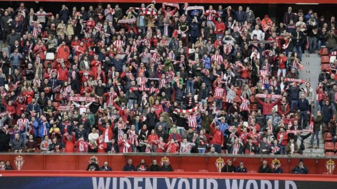 La Liga denuncia un cántico racista de los ultras del Sporting ante un posible delito de odio
