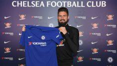 Olivier Giroud, durante su presentación con el Chelsea. (@ChelseaFC)