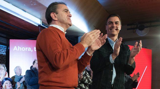De Sánchez a Monedero: 20 cargos del PSOE y Podemos se van de rositas tras falsificar su currículum