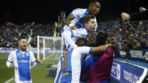 El Leganés celebra un gol en Butarque. (EFE)