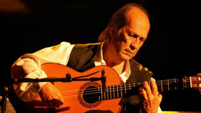 Paco de luc a el gran guitarrista que expandi el flamenco for Paco familiar