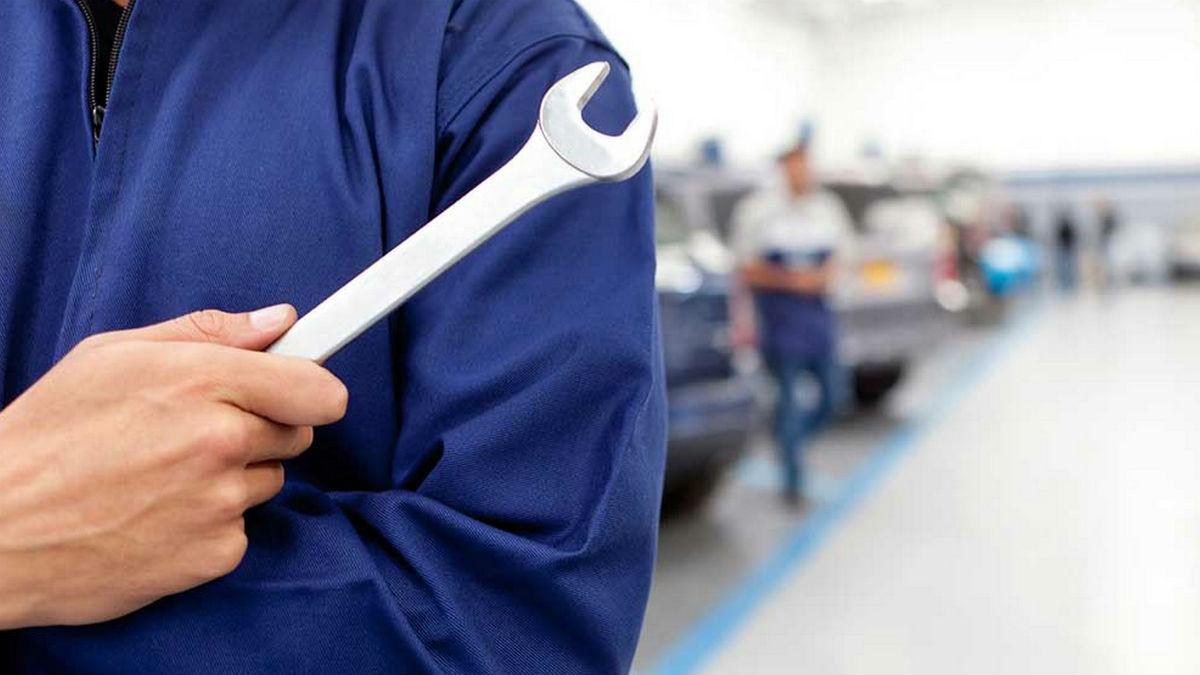 La ley no establece un periodo de tiempo máximo que el taller deba cumplir a la hora de reparar nuestro coche, pero existen supuestos en los que podemos reclamar con posibilidades de éxito.
