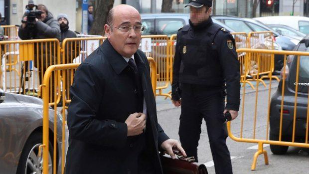 El coronel de la Guardia Civil Diego Pérez de los Cobos en el Tribunal Supremo (Foto: Efe).
