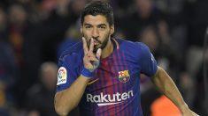 Luis Suárez celebra un gol ante el Valencia. (AFP)