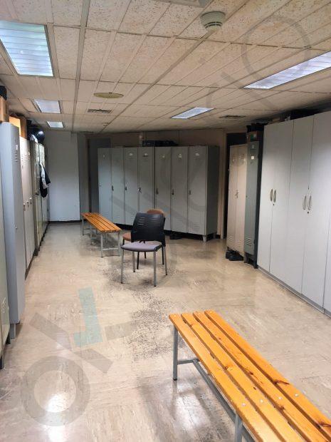 El cochambroso local en el que Colau tiene el centro operativo de Mossos y Guardia Urbana