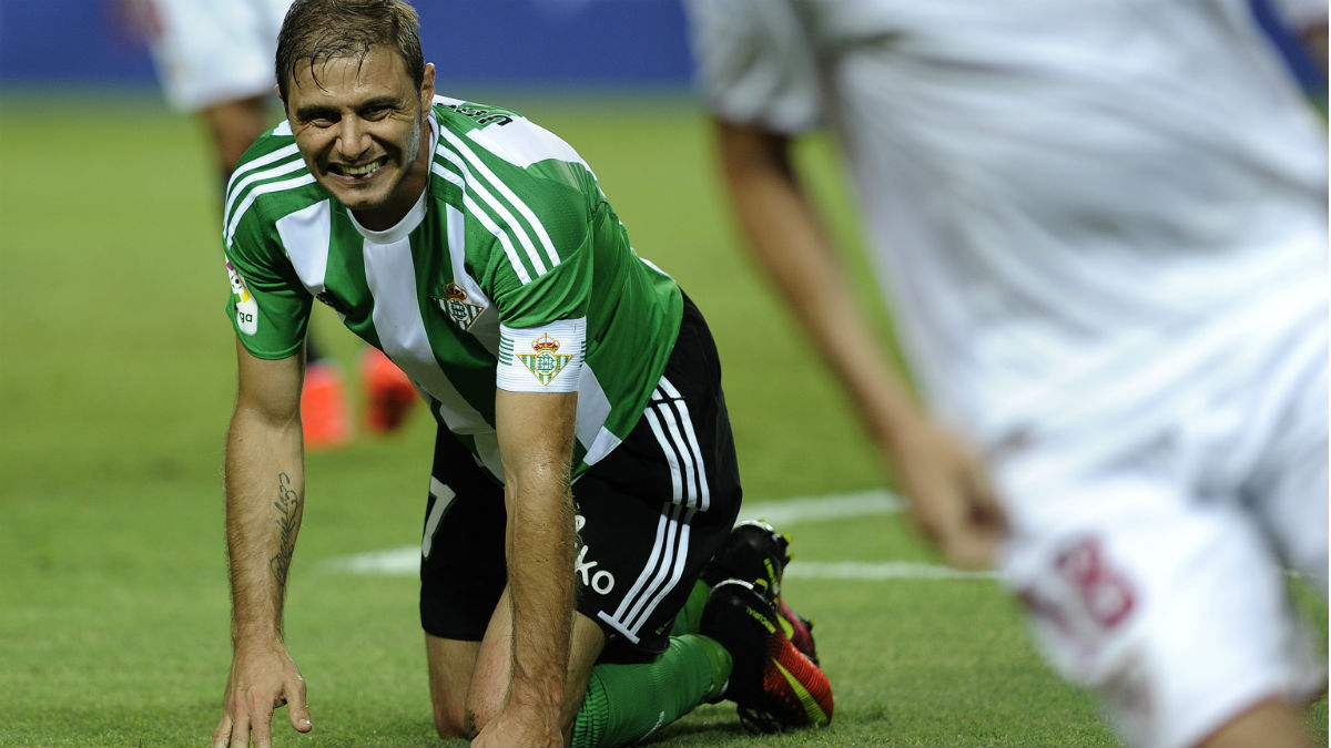 Joaquín, en un partido con el Betis. (AFP)
