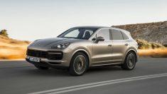 De momento, la tercera generación del Porsche Cayenne llega con tres mecánicas diferentes de gasolina.