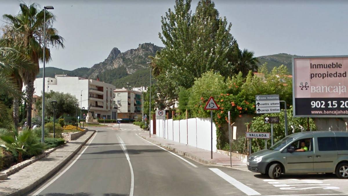 Entrada a la localidad de Vallada (Valencia), donde se produjo el suceso.