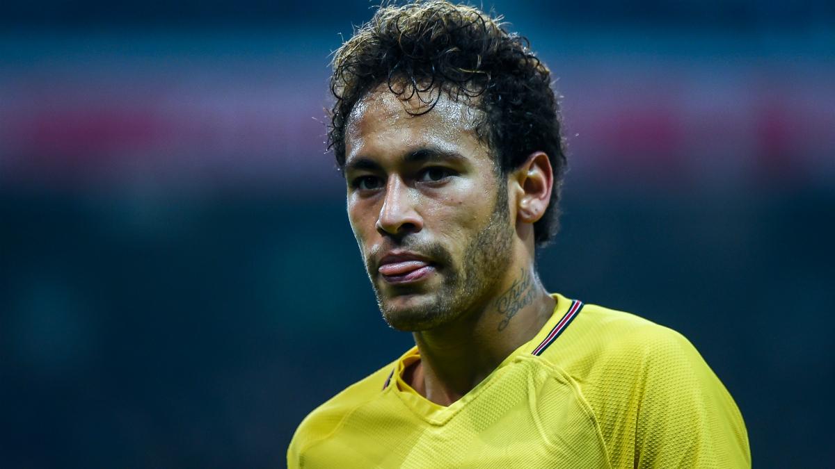 Neymar durante el partido ante el Lille. (AFP)